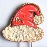 Шапка деда мороза или новогодний имбирный пряник роспись глазурью