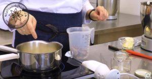 Шоколадный соус (шаг 1)