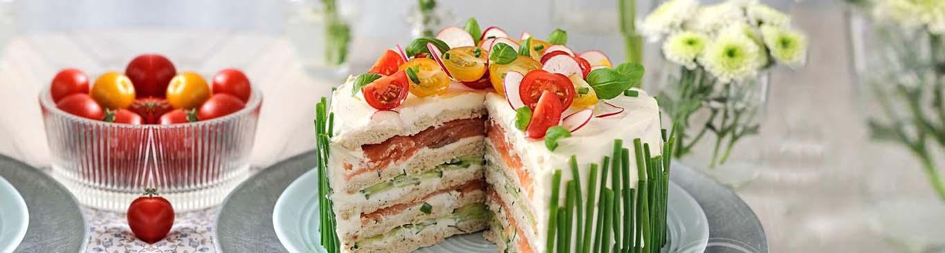Вкусный рецепт праздничной закуски - бутербродный торт - простой рецепт в домашних условиях