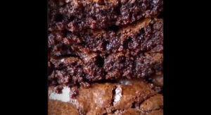 Домашний рецепт десерта Брауни - классический, американский пирог с шоколадом.