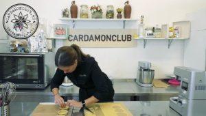 тарталетки на песочном тесте с карамелью и орехами 15