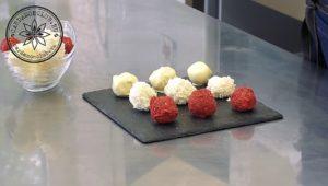 Трюфель кокосовый в шоколаде и клубничном, сублимированном порошке.